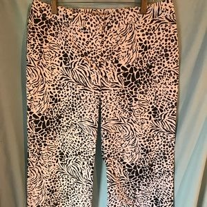 David Brooks B/W Capris Size 4. NWT